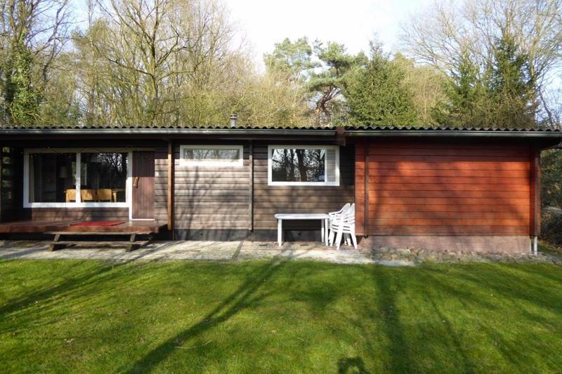 Fins Vakantie Huis : Luxe finse bungalow 7p vakantiehuis meppen