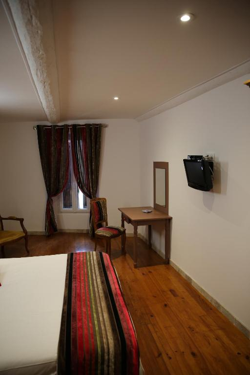 Les pins restaurant et chambre d 39 h tes sillans la cascade - Chambre d hote saint brevin les pins ...