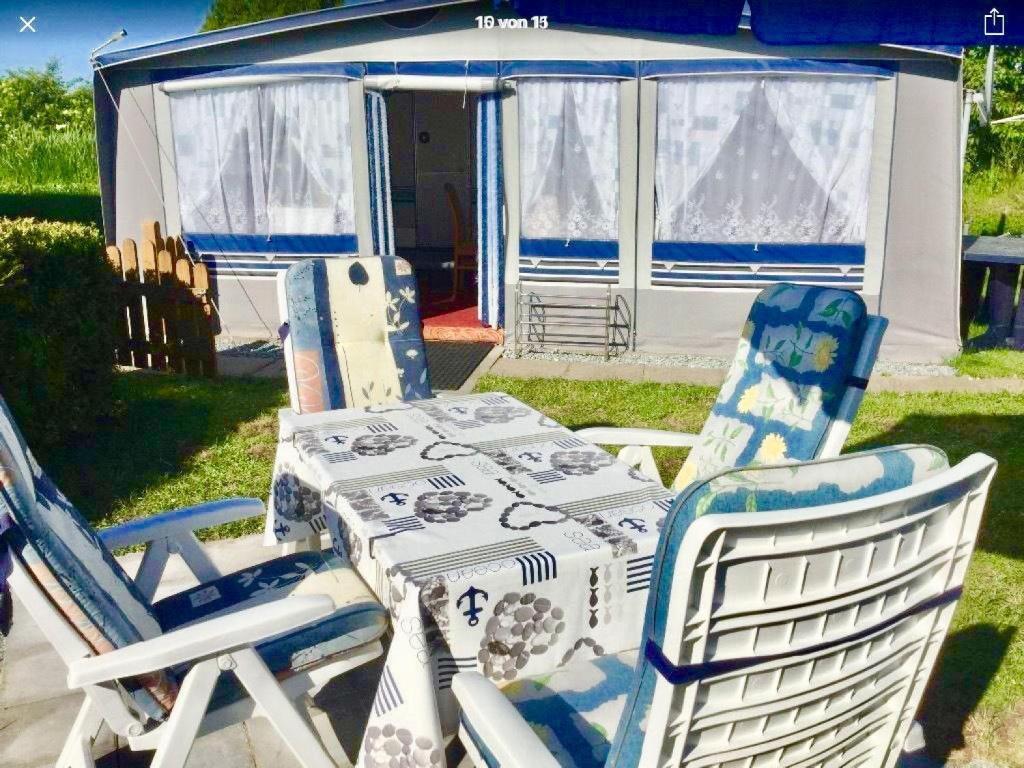 grosser-gepflegter-wohnwagen-am-meer-voll-ausgestattet - maison de