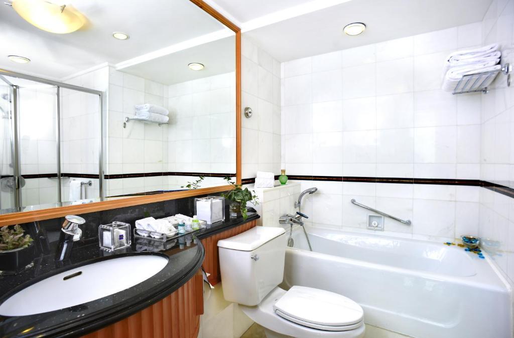 Metropark Hotel Causeway Bay Airport Shuttle