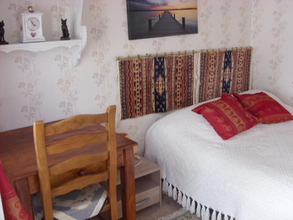 Chambre Dhotes Du Jardin Bed Breakfast Le Quesne