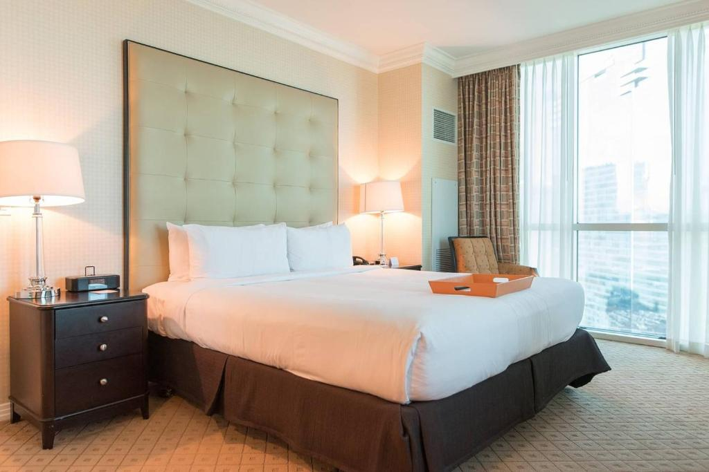 True 1 Bedroom Balcony Suite With Strip View At Mgm Signature Appart Hotels Las Vegas