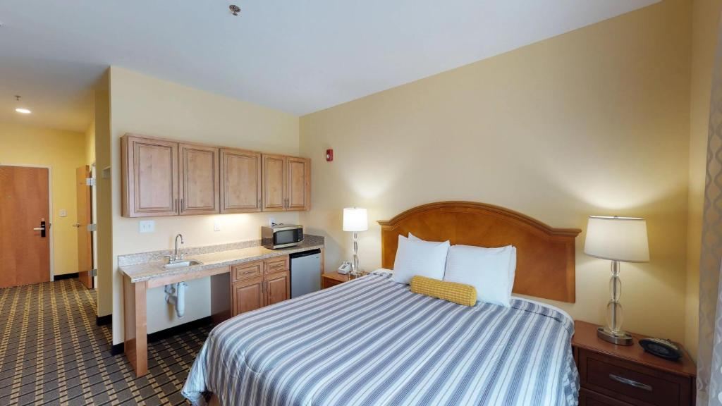 Hotels With Smoking Rooms In Fayetteville Nc