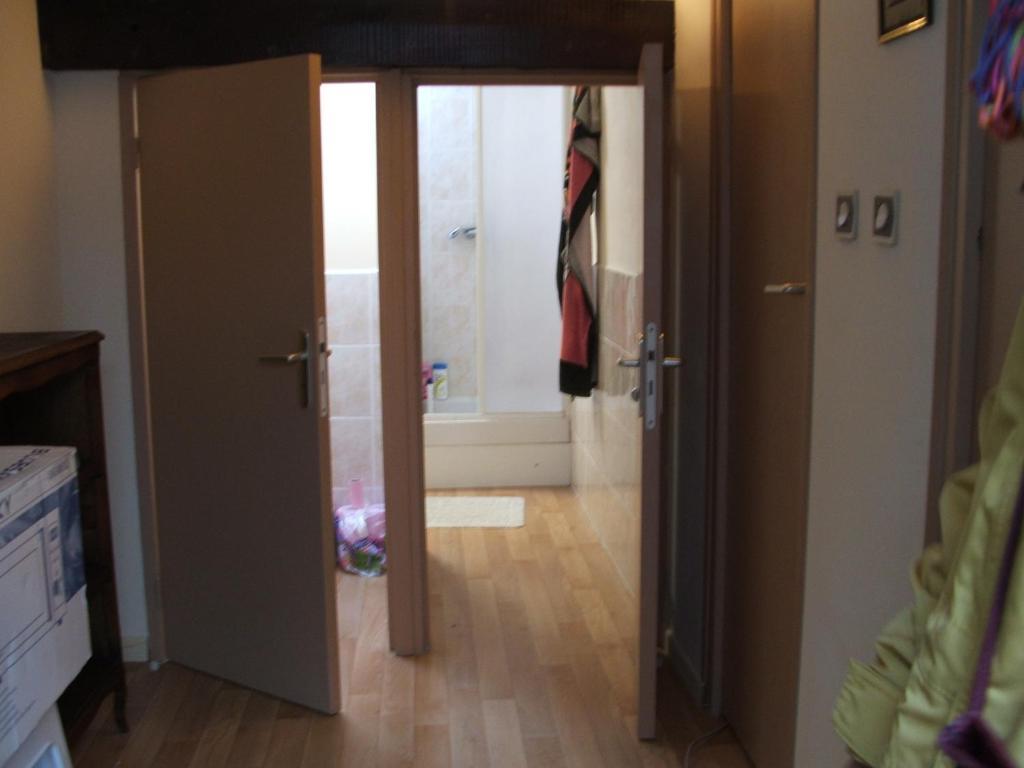 Apartment chambre avec cuisine et salle d\'eau partagée centre ville ...