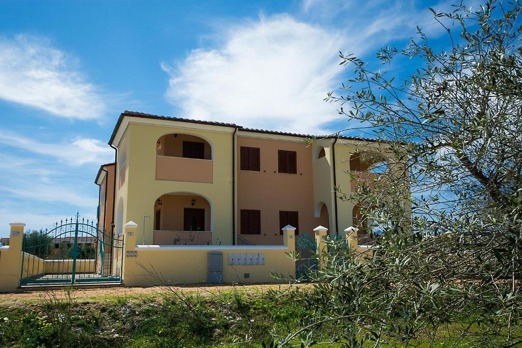 Divano Maria Rosaria : Le residenze del maria rosaria case vacanze orosei