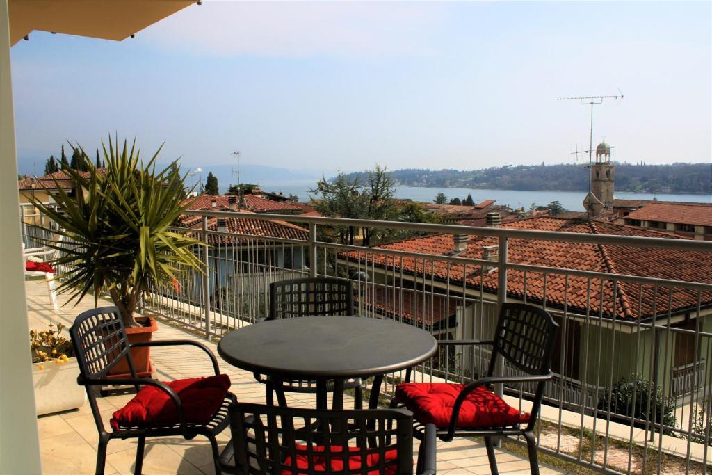 La terrazza di Martina, Apartment in Salò | Wander