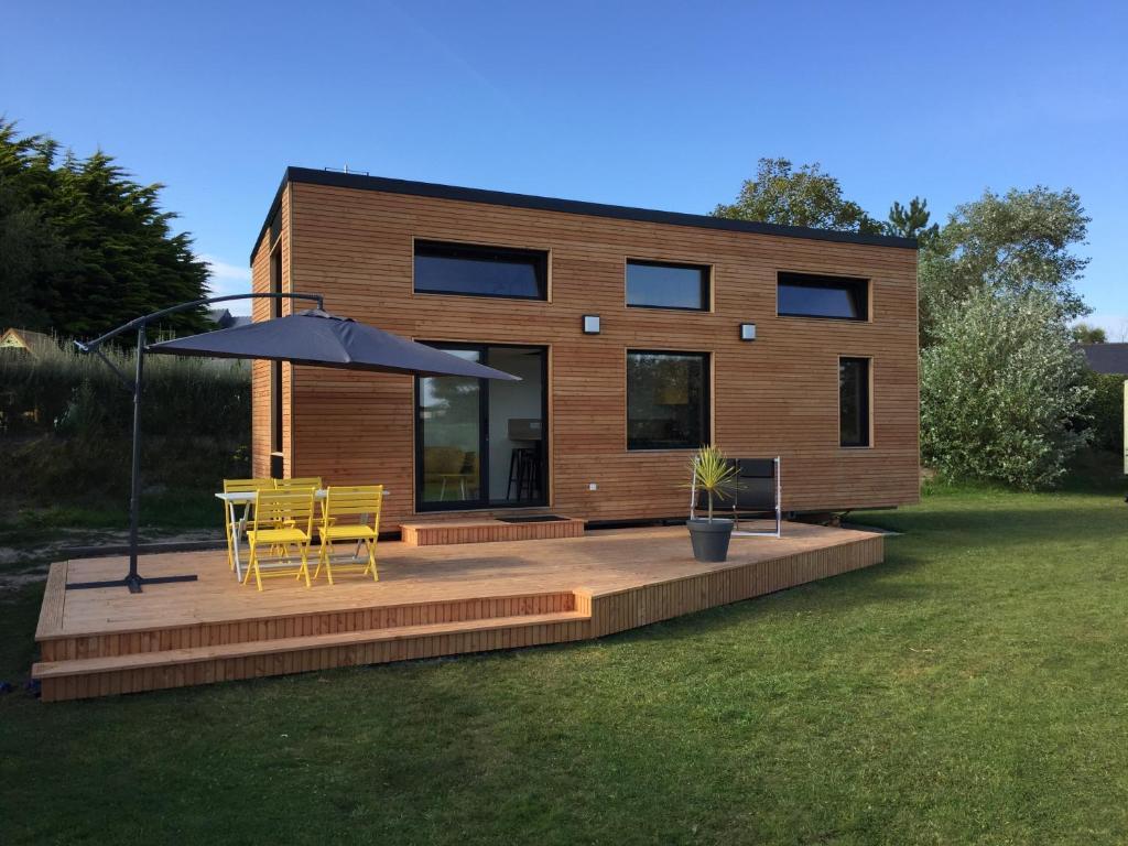 tiny maison sur la cote bretonne maison de vacances. Black Bedroom Furniture Sets. Home Design Ideas