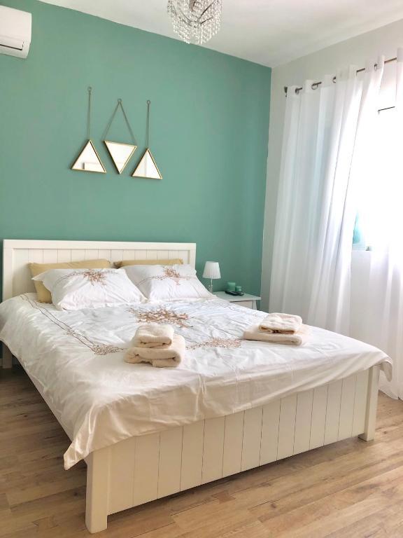 2 Bedrooms Apartment Marcheliz In Bat Yam