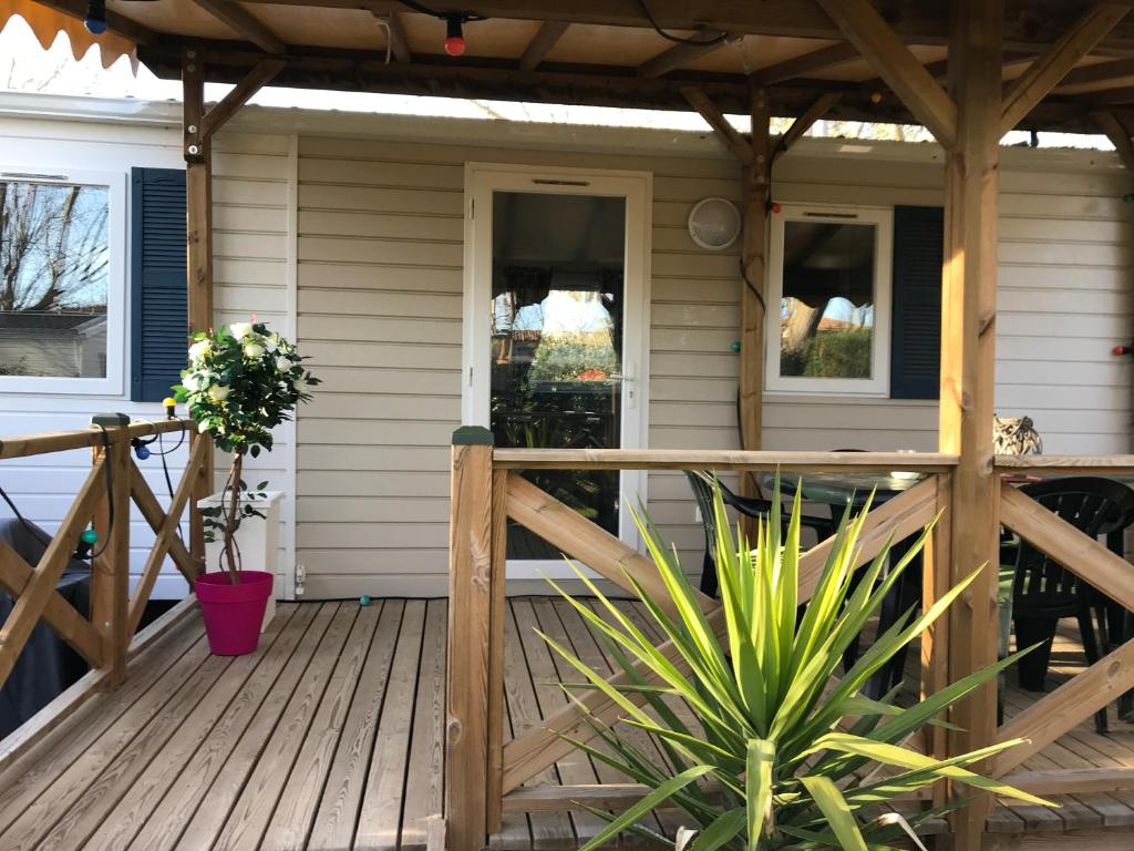 mobil home climatise camping 4 le grau du roi les jardins de tivoli mobile home le grau du roi - Jardins De Tivoli