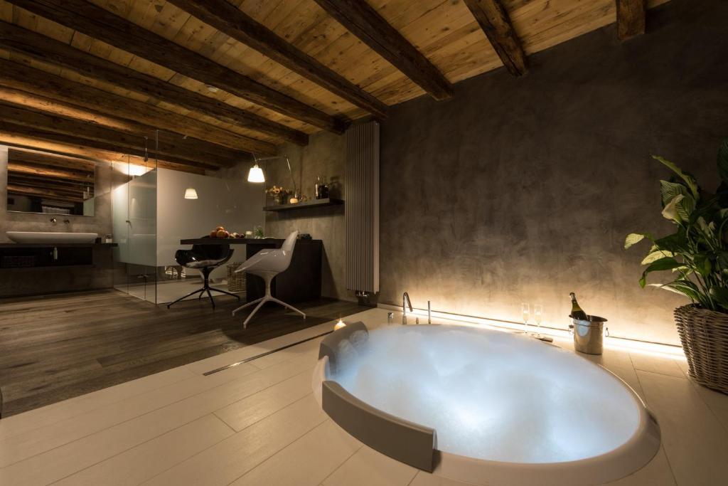 Relais Bondaz Chambres D Hotes A Aoste Val D Aoste Italie