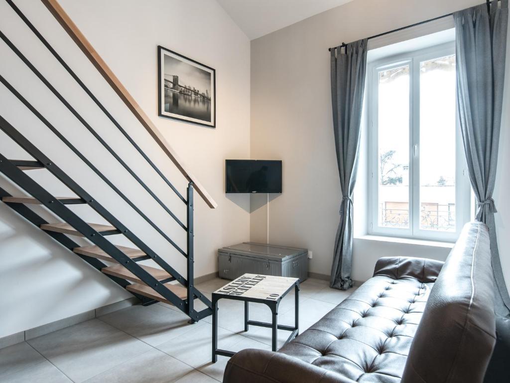 High-tech apartment - design, photo