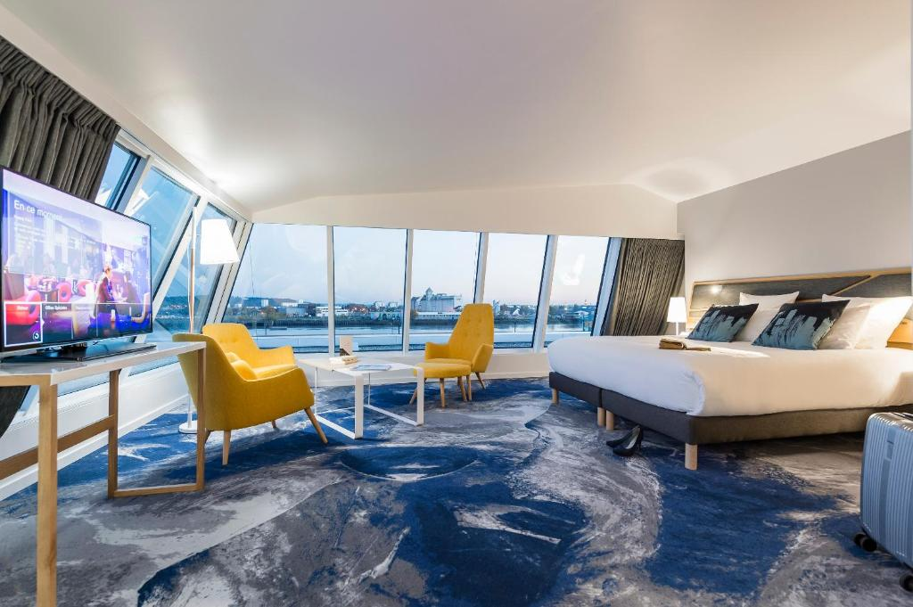 seeko 39 o hotel design bordeaux prenotazione on line viamichelin. Black Bedroom Furniture Sets. Home Design Ideas