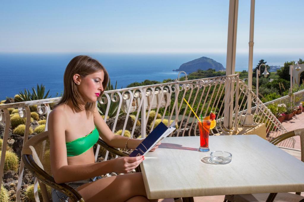 Booking Hotel Saint Raphael