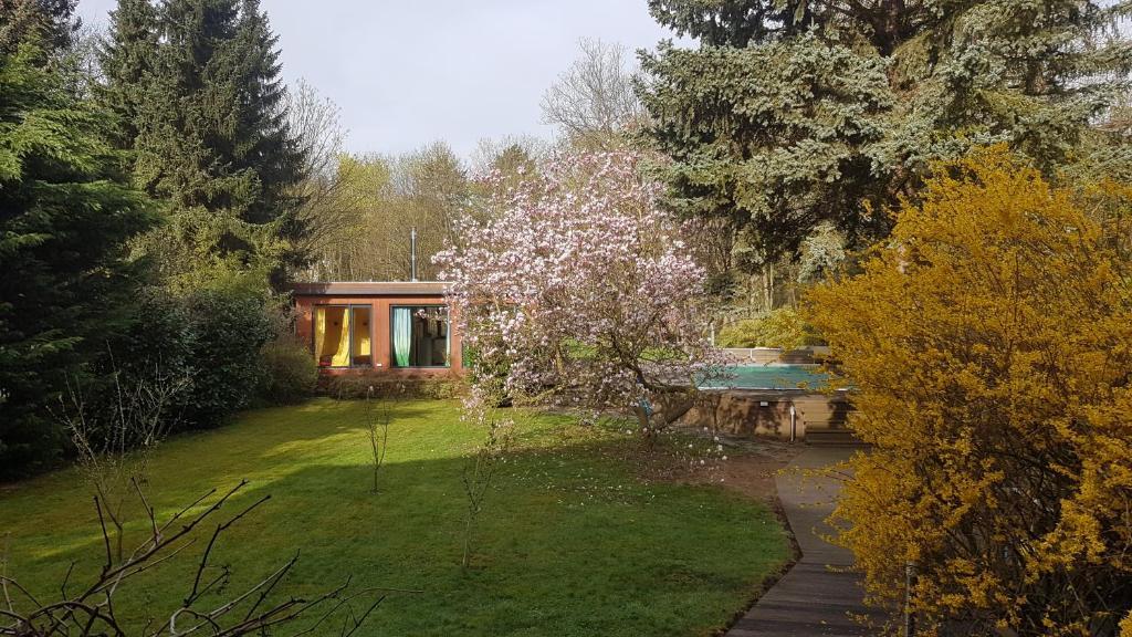 Cottage Mit Pool Und Grossem Garten Chambre D Hotes Leipzig