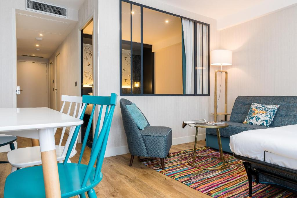 Appart hotel cosy cadet paris book your hotel with for Appart hotel france