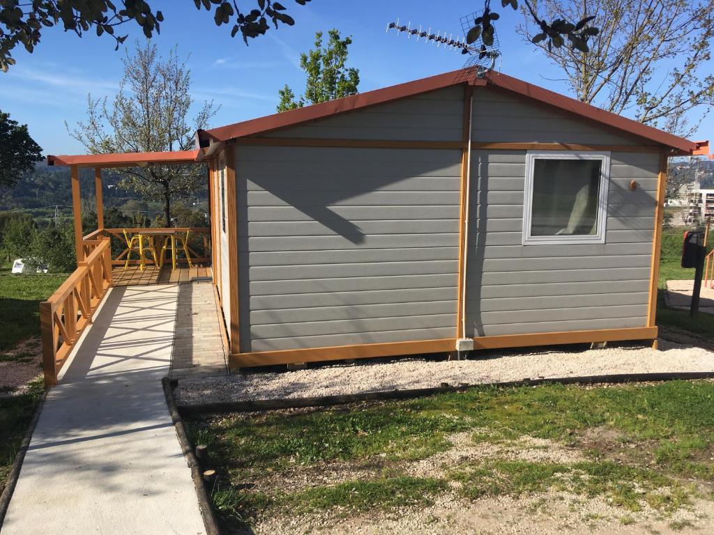 Coimbra camping bungalows coimbra reserva tu hotel for Camping en leon con bungalows y piscina