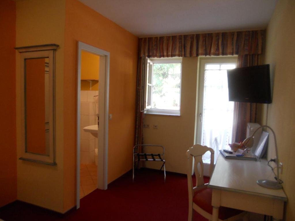 Hotel Restaurant Zehntscheune - Sinsheim - Informationen und ...