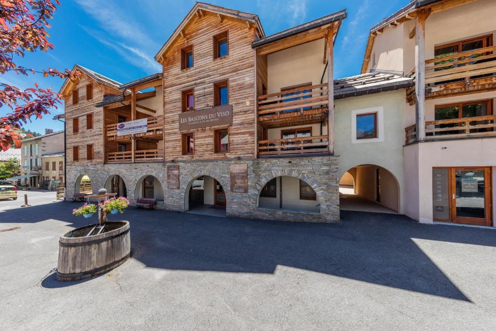 Les Balcons Du Viso Holiday Residences Abries