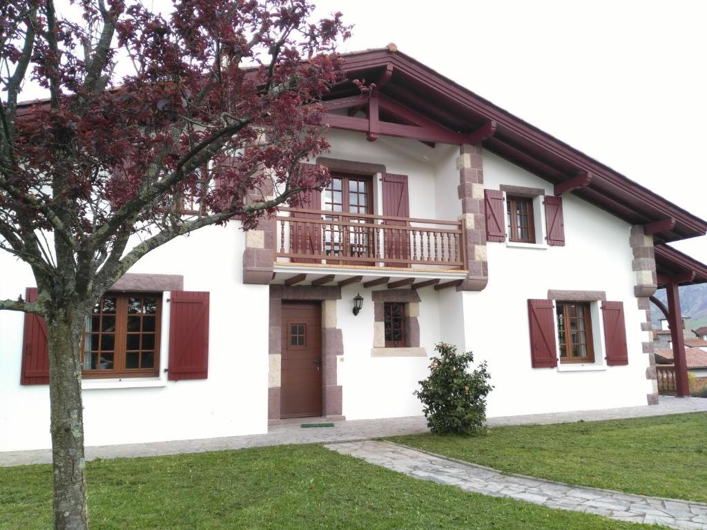 Location D Une Maison Typique Du Pays Basque Maison De Vacances Caro