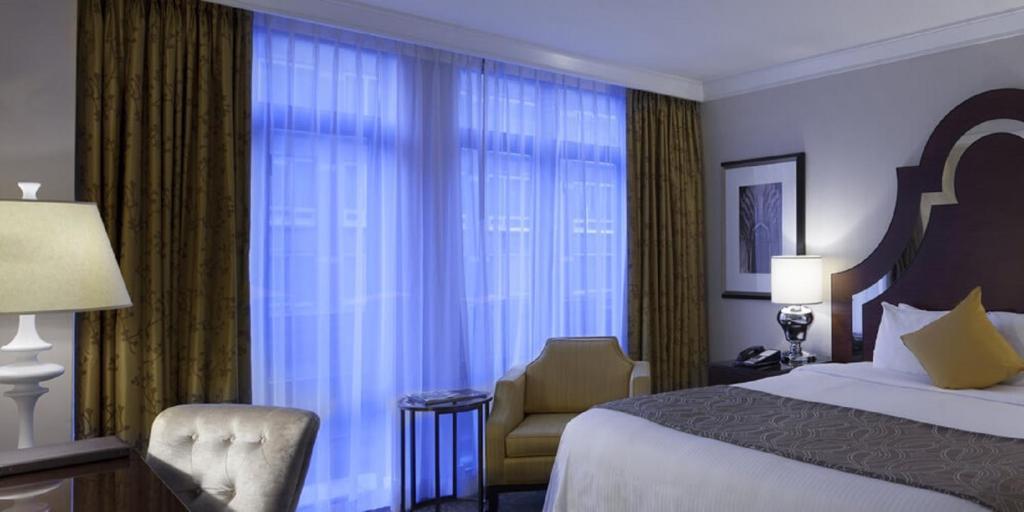Hermitage Hotel Vancouver Booking
