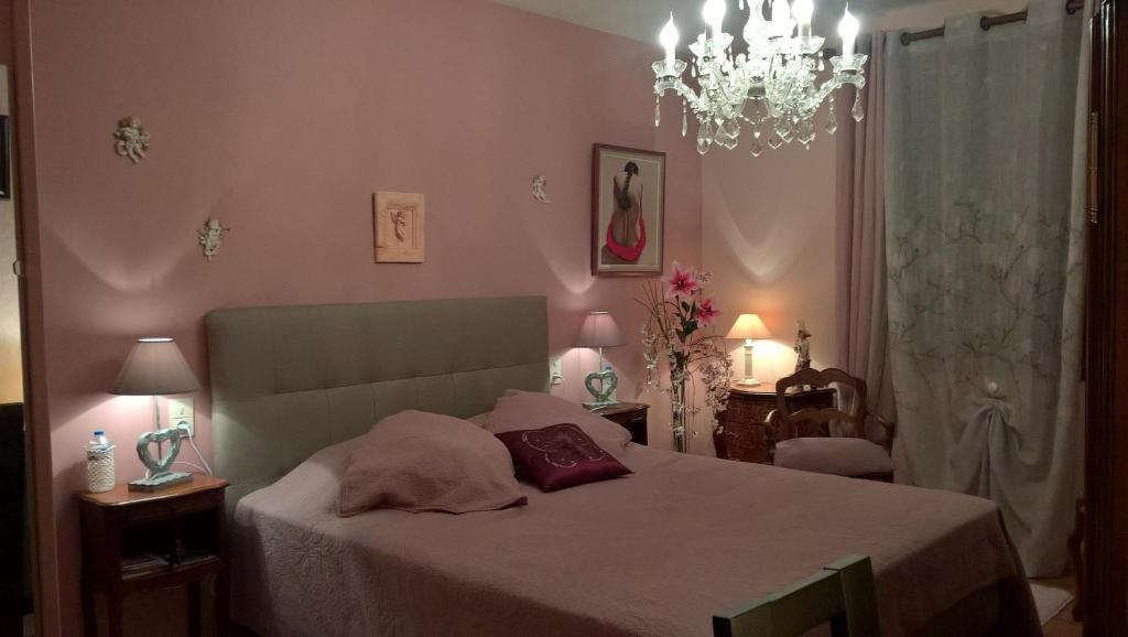 Chambres d\'hôtes Villa l\'Ambiance, Chambre d\'hôtes Uchaux
