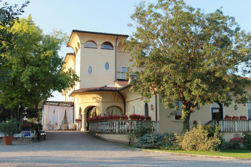 Hotel Villa Belvedere 1849 Misano Di Gera D'adda