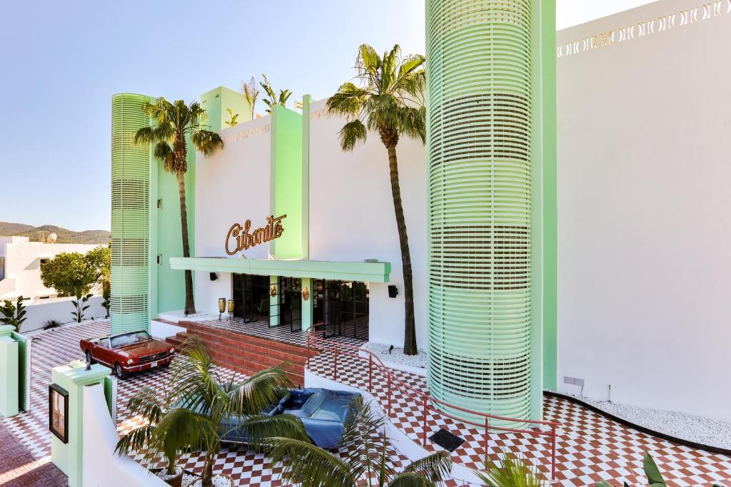 Badkamer Ibiza Stijl : Cubanito ibiza suites sant antoni de portmany