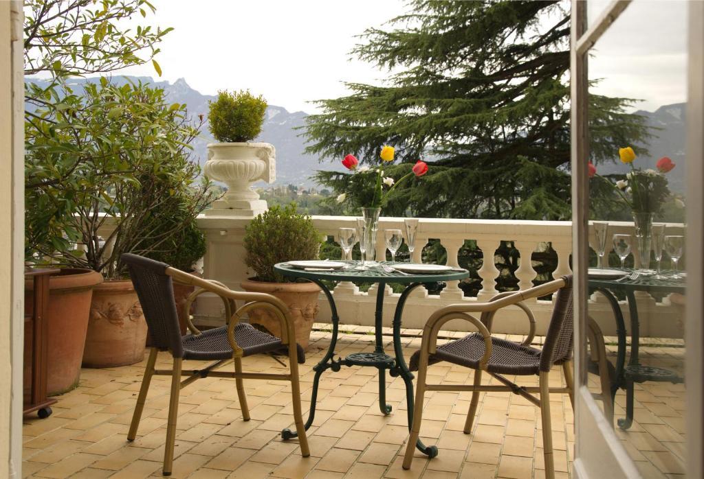 les meubl s du manoir splendid et royal aix les bains viamichelin informatie en online. Black Bedroom Furniture Sets. Home Design Ideas