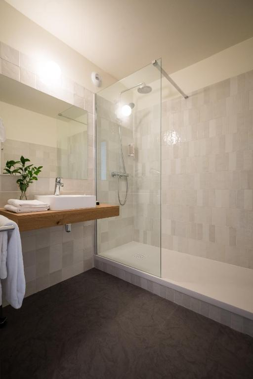 Hotel Poitiers Booking