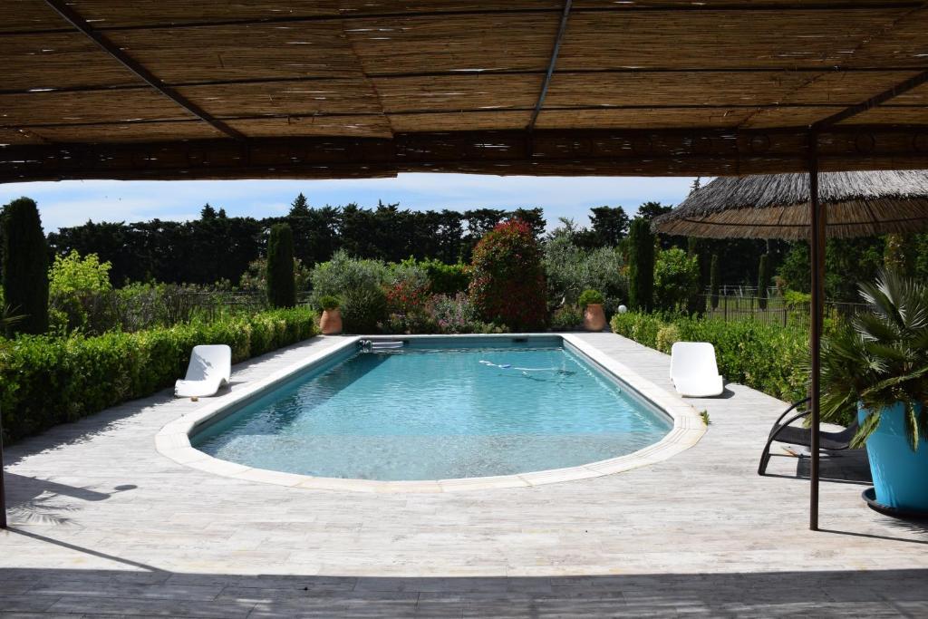 Grande Villa Avec Piscine Privative Entre St Remy De Provence Et