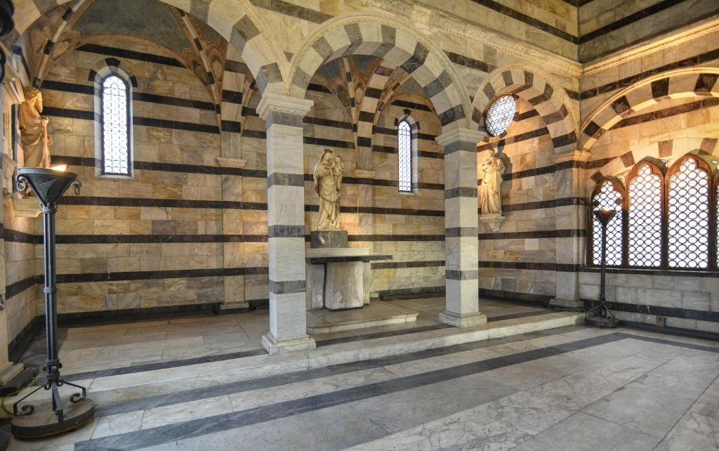 Booking Com Rooms In Pisa