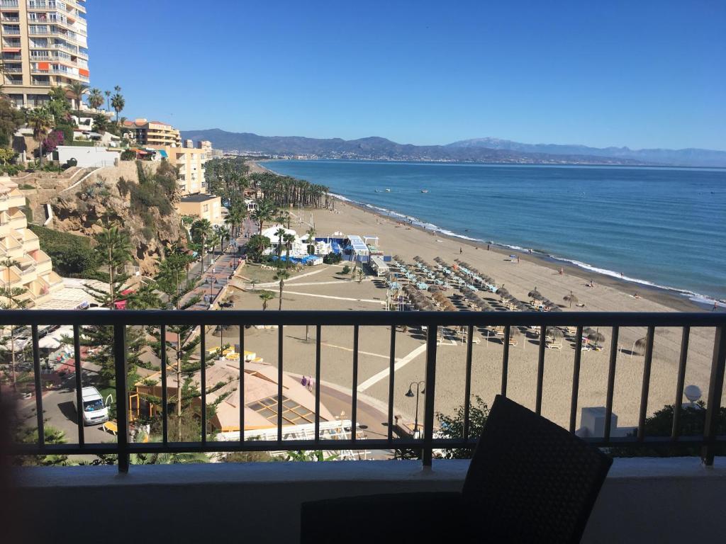 Apartamentos castillo del vig a torremolinos book your hotel with viamichelin - Apartamentos baratos torremolinos ...