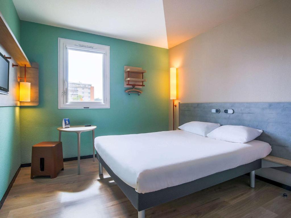 ibis budget albi centre albi reserva tu hotel con viamichelin. Black Bedroom Furniture Sets. Home Design Ideas
