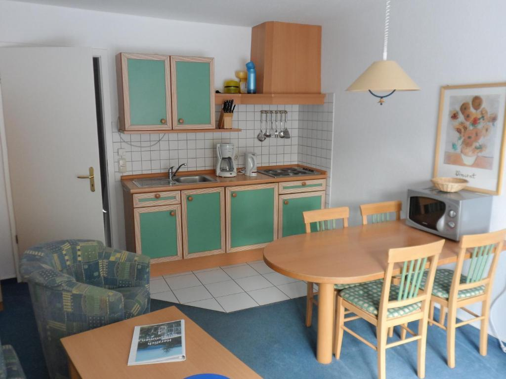 Apartmentanlage villa granitz sellin informationen und for Interieursuisse stellen