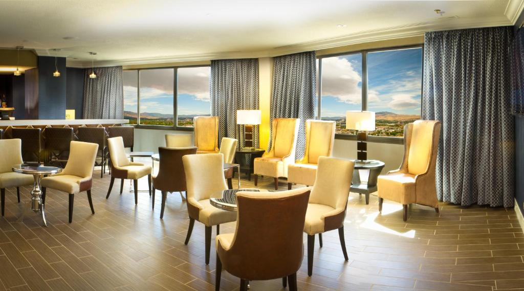 Book Now Grand Sierra Resort And Casino (Reno, United States). Rooms Available for all budgets. This 4-star Reno resort features a full-service spa a large casino and many shopping opportunities. This resort includes a 50-lane bowling center and Mt. Rose Ski Tahoe is les
