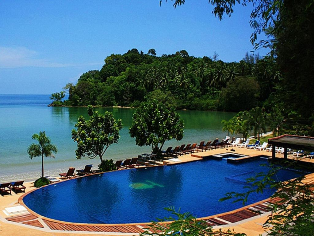 Kaw Kwang Beach Resort Booking Com