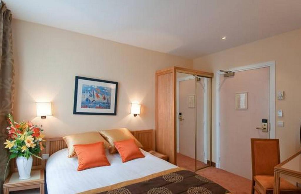 Hotel De L Ocean Paris Booking