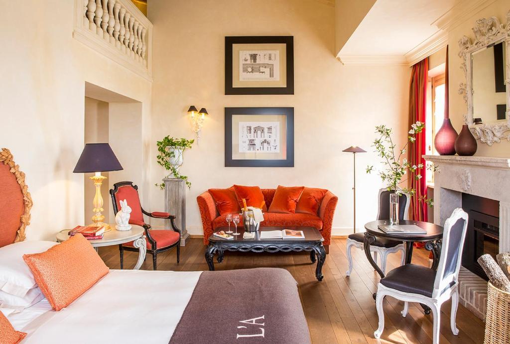 Luxurioese Bilder Von Antiker Kleiderschrank Fuer Elegantes Zimmer , Hotel L Andana Tenuta La Badiola Castiglione Della Pescaia