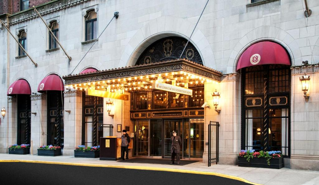 Book Now Millennium Knickerbocker Chicago (Chicago, United States). Rooms Available for all budgets. Our guests lap up the luxe bedding flat-panel TVs and prime location near the Magnificent Mile at the non-smoking Millennium Knickerbocker Chicago. Originally opened in 1927 a