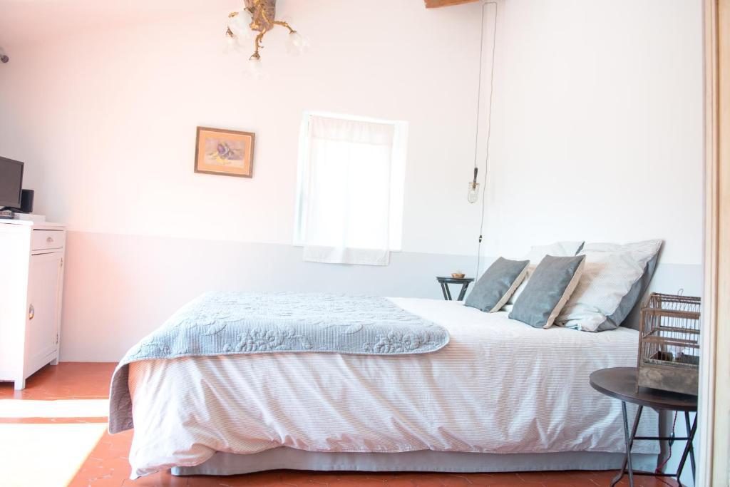 La Chambre 21, Entrevaux en Provence, proche de Nice ...
