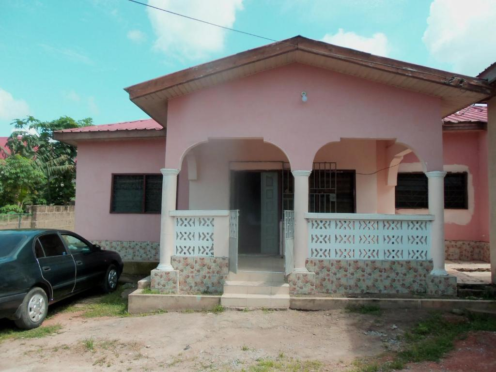 Kates house jukwa road 50 cape coast ghana