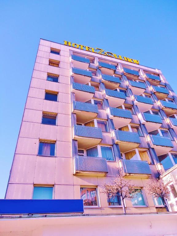 hotel zollhof hamburg book your hotel with viamichelin. Black Bedroom Furniture Sets. Home Design Ideas