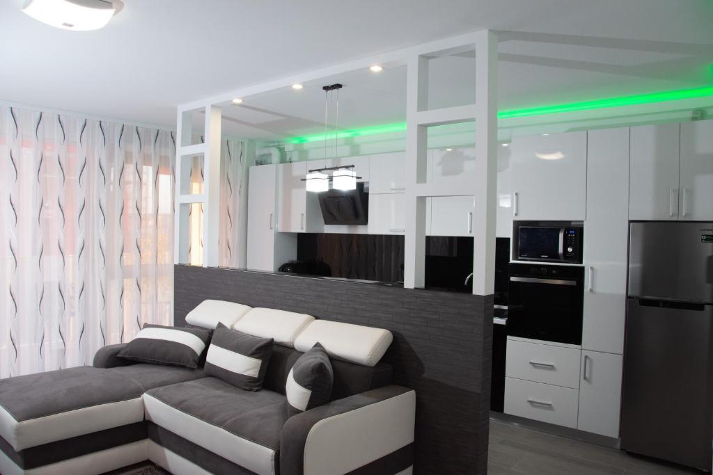 Modern Minimalist Apartment In Oradea Apartment Oradea
