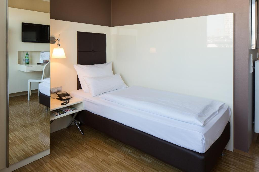 hotel santo k ln viamichelin informatie en online reserveren. Black Bedroom Furniture Sets. Home Design Ideas