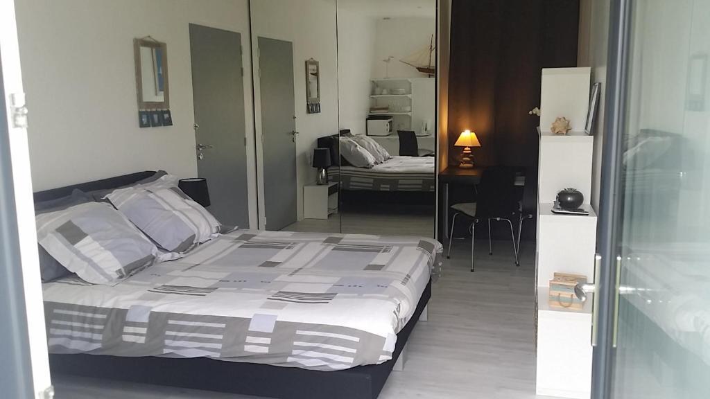 Chambre spacieuse à Perros-Guirec, Gästezimmer La Clarté