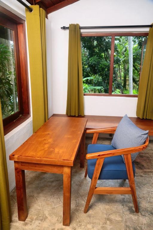 Villa by the Lake Bolgoda, Moratuwa-Colombo, Villa Moratuwa