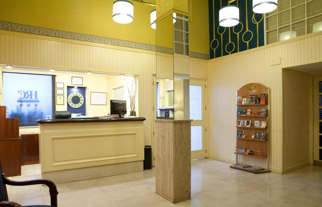 Hrc hotel madrid online booking viamichelin for Booking madrid hotel