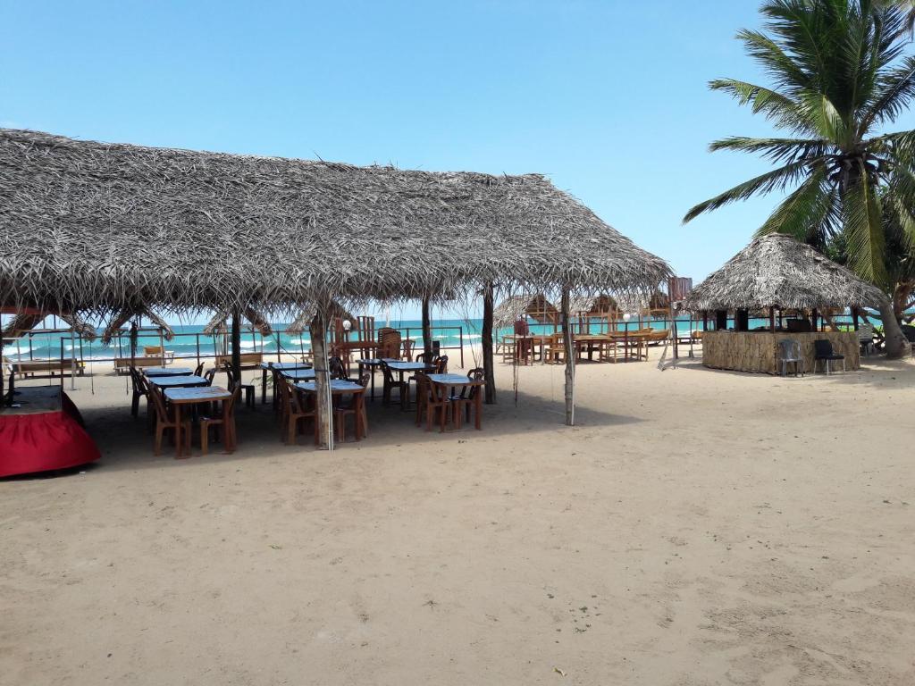 Carte Sri Lanka Nilaveli.Yaalu Maalu Chill Cabana And Restaurant Bed Breakfast