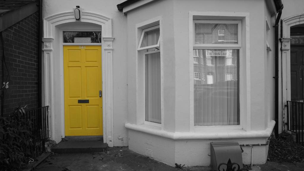 Big Yellow Door In Queens Quarter Bed Breakfasts Belfast