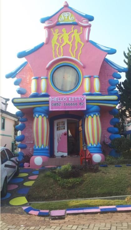 Letti Per Bambini Hello Kitty.Villa Hello Kitty Kota Bunga Puncak Villa Cinengangirang
